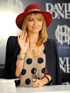 Nicole-richie-red-hat