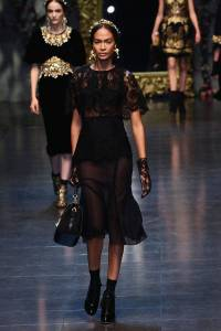 elle-joan-smalls-docle-and-gabanna-fw-12-xln-xln