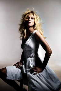 kate-moss-for-topshop-spring-summer-2014-campaign-8-vogue-8april14-pr_426x639