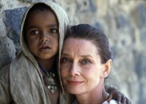 Audrey-Hepburn-UNICEF-ambassador-in-Ethiopia2
