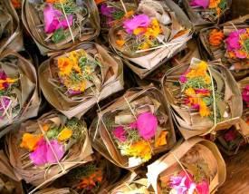 balinese-offerings-1442707-639x497