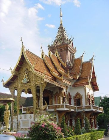chiangmai-th-temple-1469161-639x824