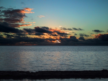 moorea-sunset-1254373-640x480