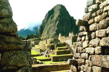 peru-machu-picchu-3-1525020-639x426