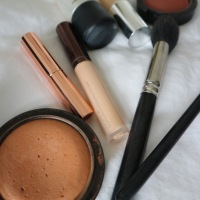 The Easiest Lazy Gal Make Up Ever!